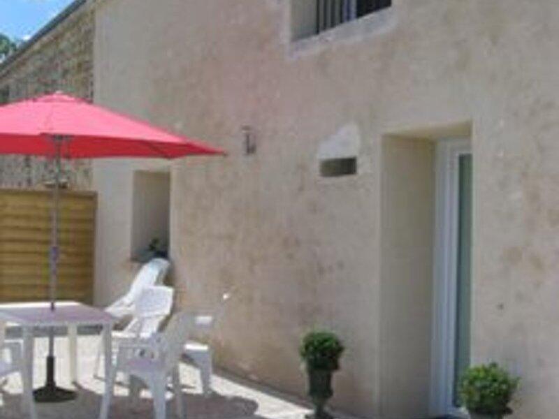 Location Gîte Averdon, 4 pièces, 8 personnes, holiday rental in Champigny-en-Beauce