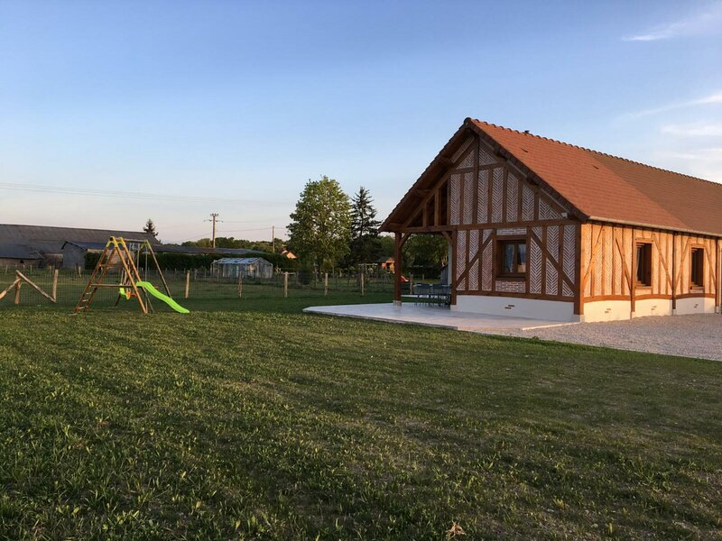 Les Avarennes, holiday rental in Tavers