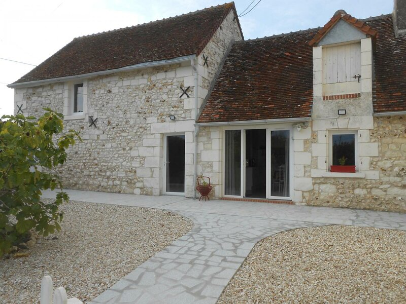 Les Caillouteux, holiday rental in Poulaines