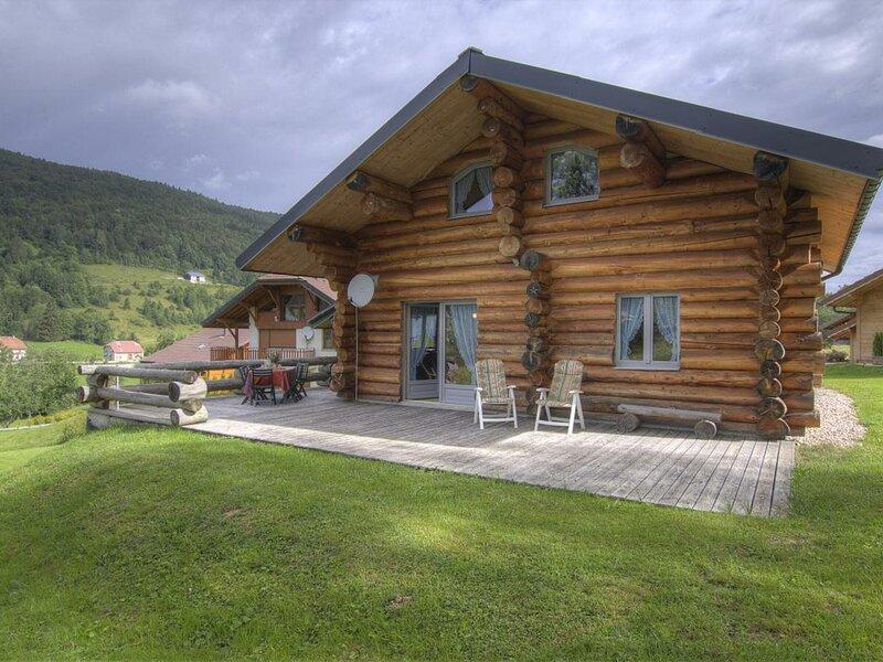 Chalet La Fuste Monts Jura, casa vacanza a Charix