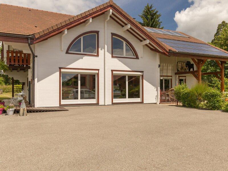 La Boiserie de Fitignieu, holiday rental in Le Grand-Abergement