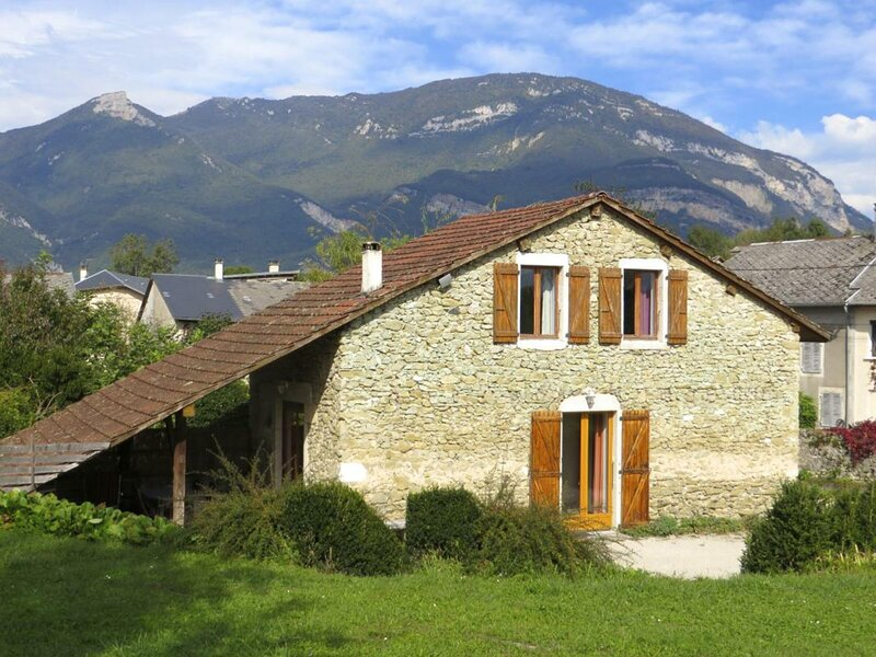 Location Gîte Ceyzérieu, 3 pièces, 4 personnes, holiday rental in Culoz