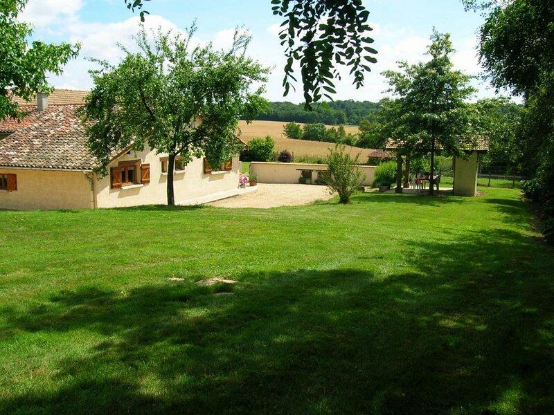 Montgizon, casa vacanza a Chanoz-Chatenay