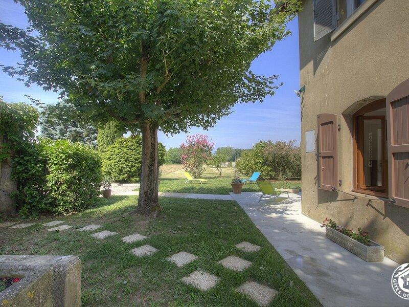 Des Sablons, holiday rental in Charentay