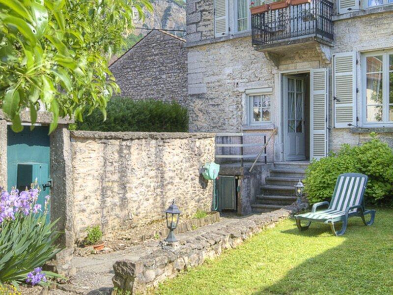 La maison du Poète, location de vacances à Saint-Baudille-de-la-Tour