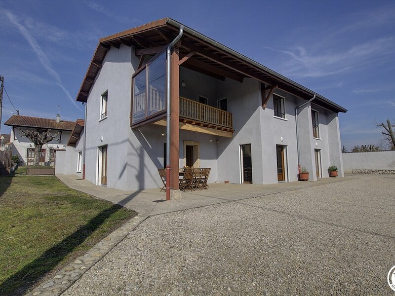 Maison d'en bas, location de vacances à Saint-Baudille-de-la-Tour