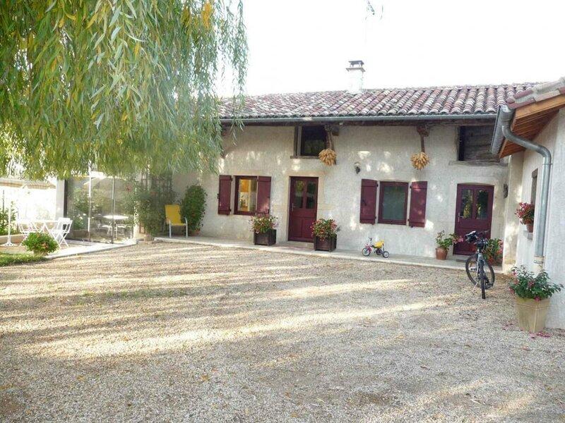 Le grand saule, casa vacanza a Chanoz-Chatenay