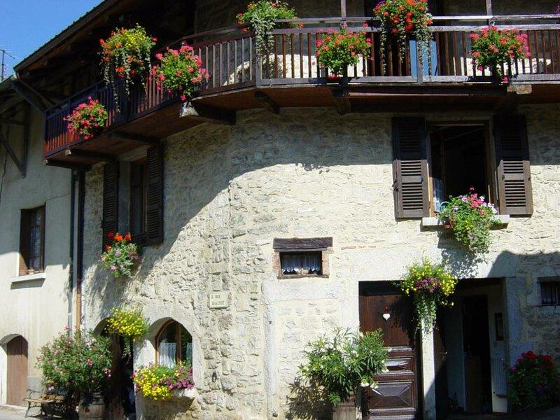 GITE de la Suisse, holiday rental in Nantua