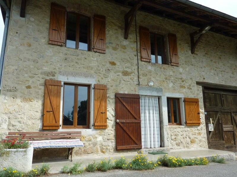 Le ruisseau, holiday rental in Le Grand-Abergement