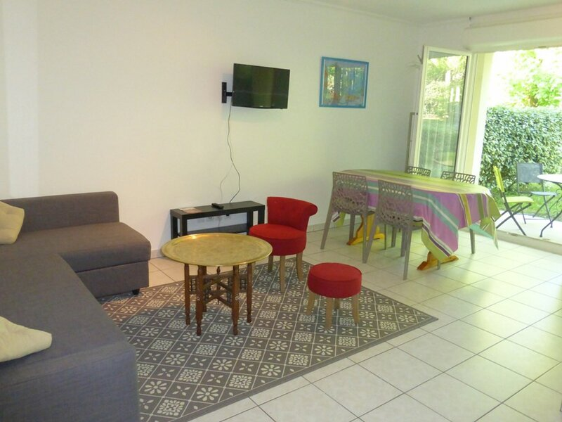 CAMBO LES BAINS, C217 : 2 Pièces 2 couchages, holiday rental in Ustaritz