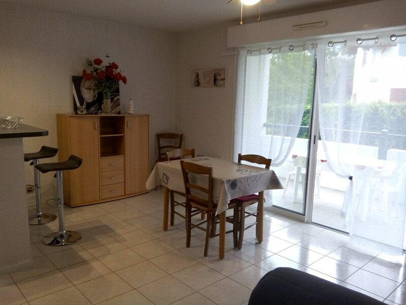 CAMBO LES BAINS, C290 : 2 Pièces 2 couchages, holiday rental in Ustaritz