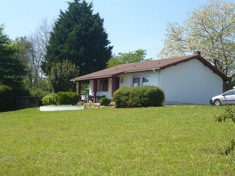 LARRESSORE, C545 : Maison 4 couchages, holiday rental in Ustaritz