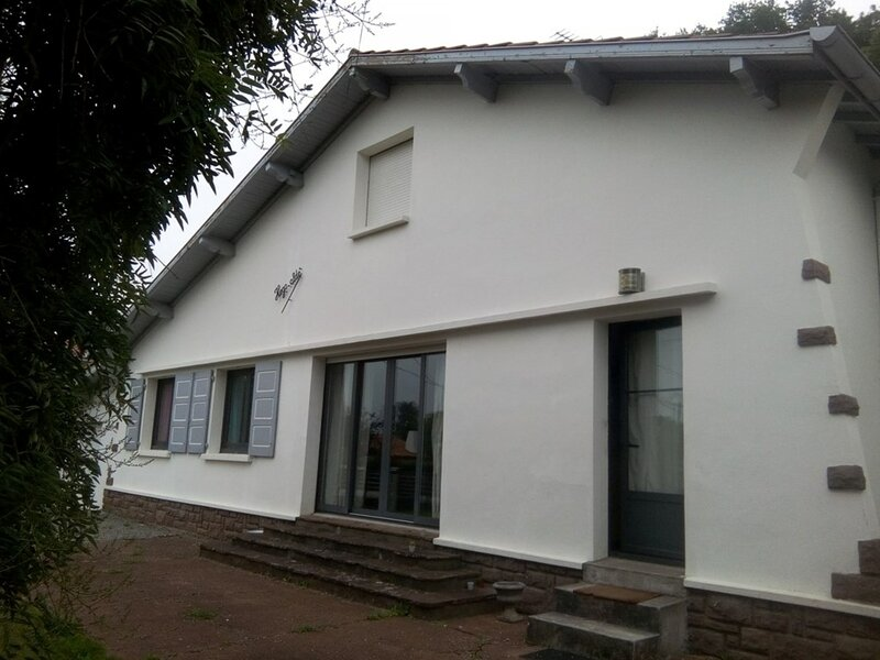 CAMBO LES BAINS, C516 :Maison 4 Pièces 4 couchages adultes + 2 à 3 couchages, holiday rental in Bidarray