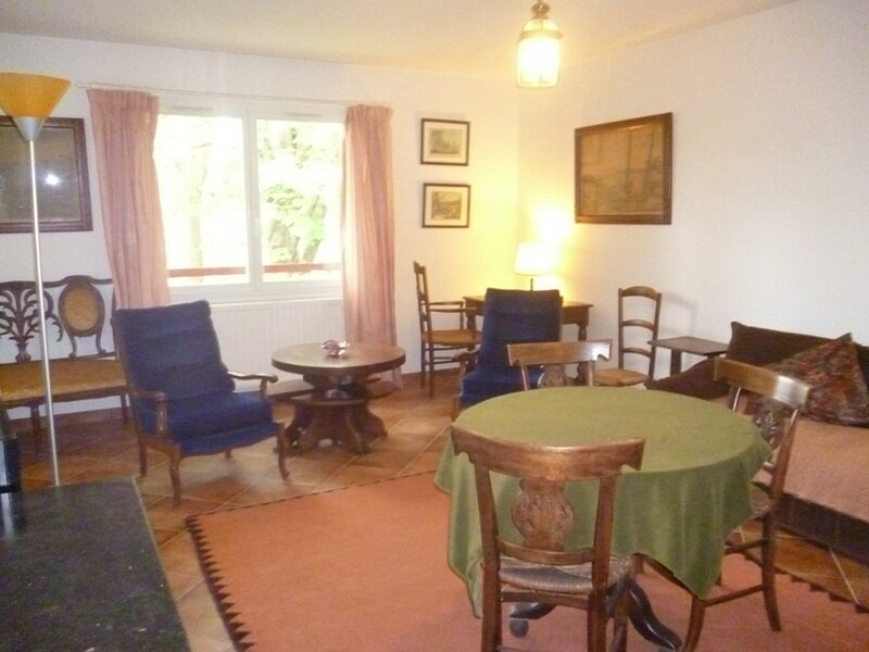 CAMBO LES BAINS, C238 : 2 Pièces 2 couchages, holiday rental in Hasparren