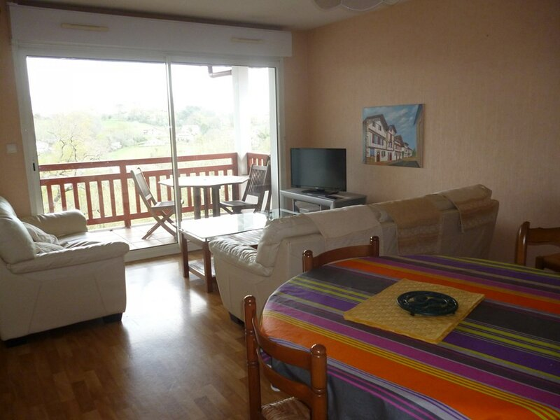 CAMBO LES BAINS, C289  : 2 Pièces 2 personnes, holiday rental in Hasparren