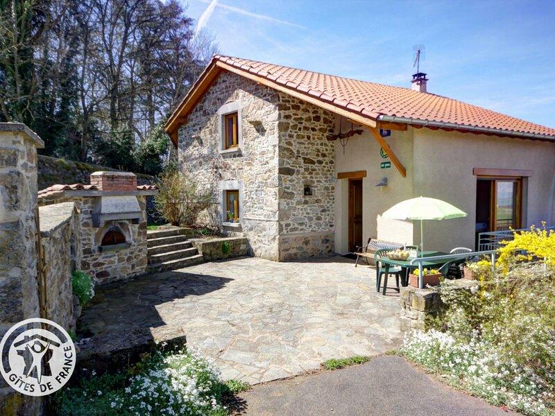 Le Chapi, holiday rental in Saint-Laurent-de-Chamousset