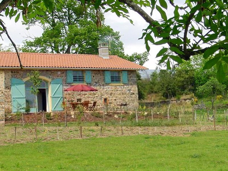 Le Lurange 1, holiday rental in Champoly