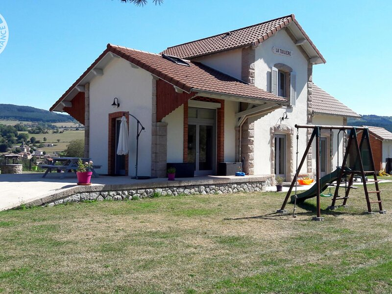 La Gare du Tacot, holiday rental in Champoly