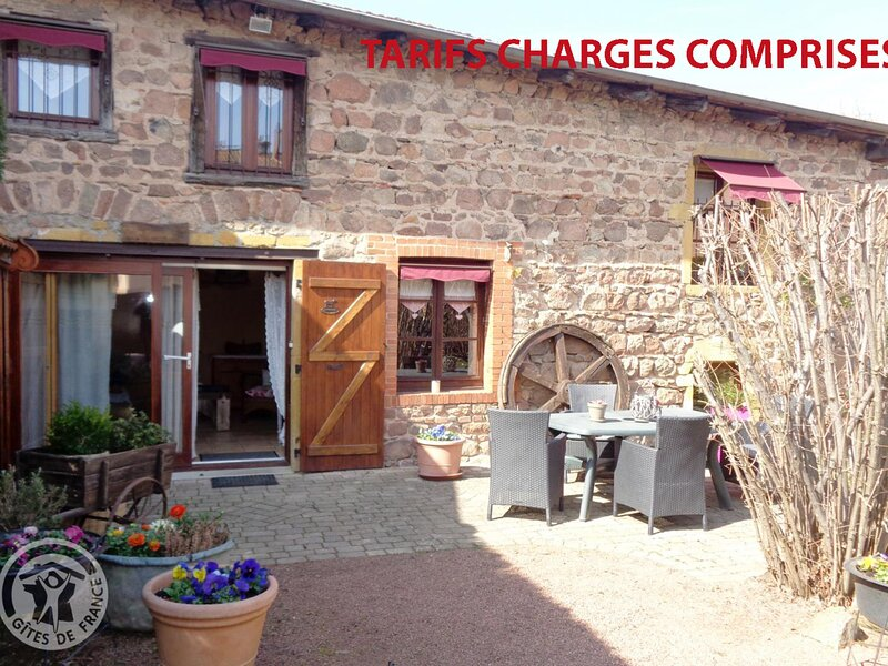 Les Noisettes, holiday rental in Ranchal