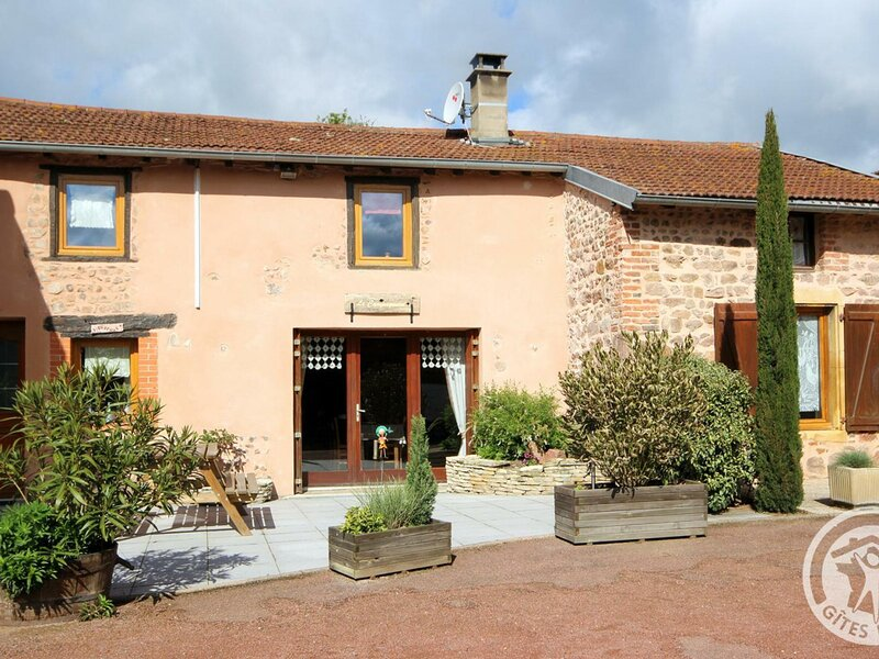 Le Campagnard, holiday rental in Saint-Just-la-Pendue