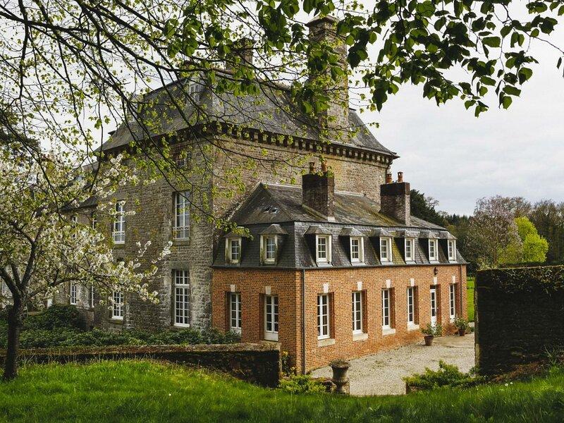 Le Château, holiday rental in Le Menil-de-Briouze