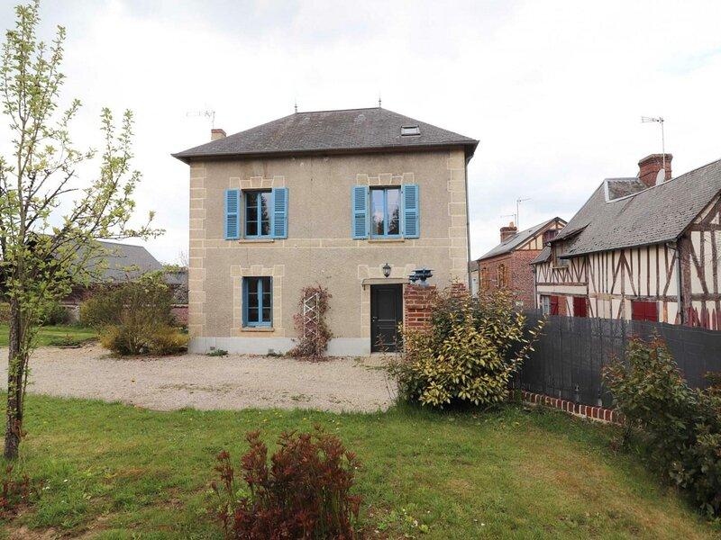 Location Gîte Sap-en-Auge, 4 pièces, 5 personnes, vacation rental in Notre-Dame-du-Hamel