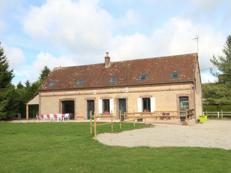 La Bruyère, holiday rental in Chennebrun