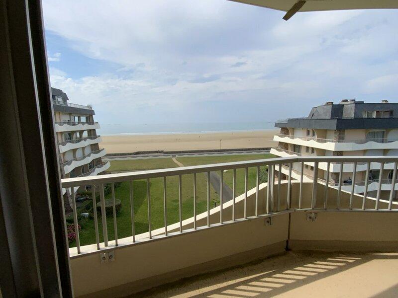 A ERQUY, bordure de la très belle plage de CAROUAL, holiday rental in La Bouillie