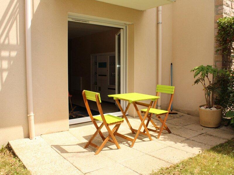 A ERQUY, en rez-de-jardin, à proximité de la plage et du centre bourg, aluguéis de temporada em Erquy