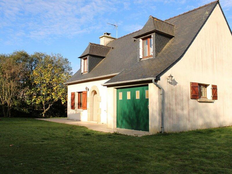 Très jolie maison dans le bourg de Plévenon, casa vacanza a Pleherel-Plage-Vieux-Bourg