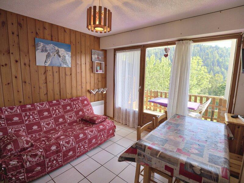 Appartement IMBERT, holiday rental in Notre Dame de Bellecombe
