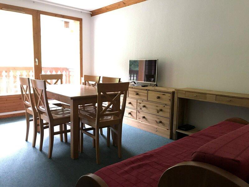 VALC24 Appartement pour 6 personnes - résidence avec piscine, alquiler de vacaciones en Val-Cenis