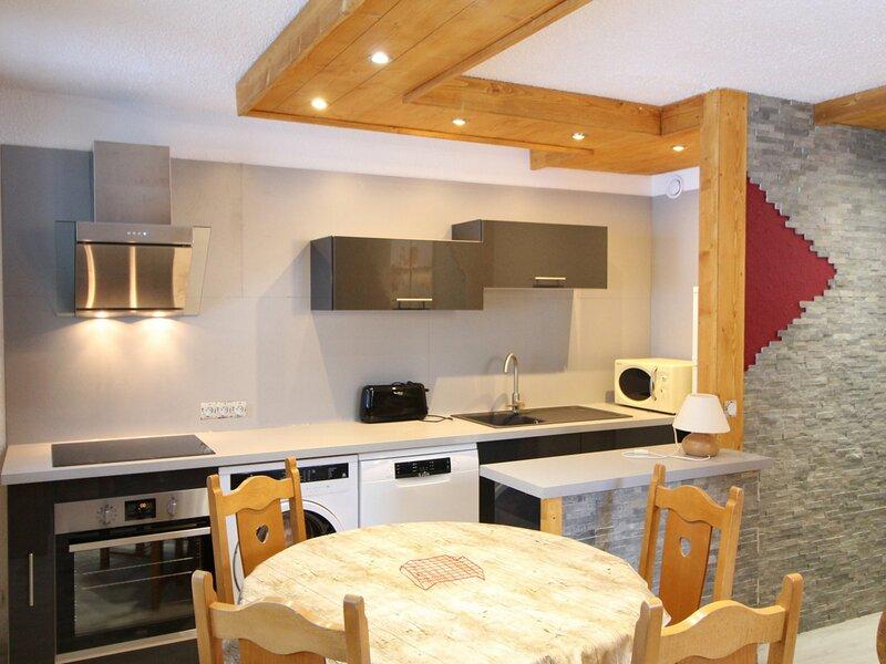 BOU142 Agréable appartement au pied des pistes avec grande terrasse, aluguéis de temporada em Val-Cenis