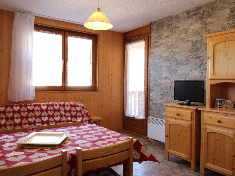 COR017 : Appartement dans quartier calme proche des navettes gratuites et de la, casa vacanza a Bramans