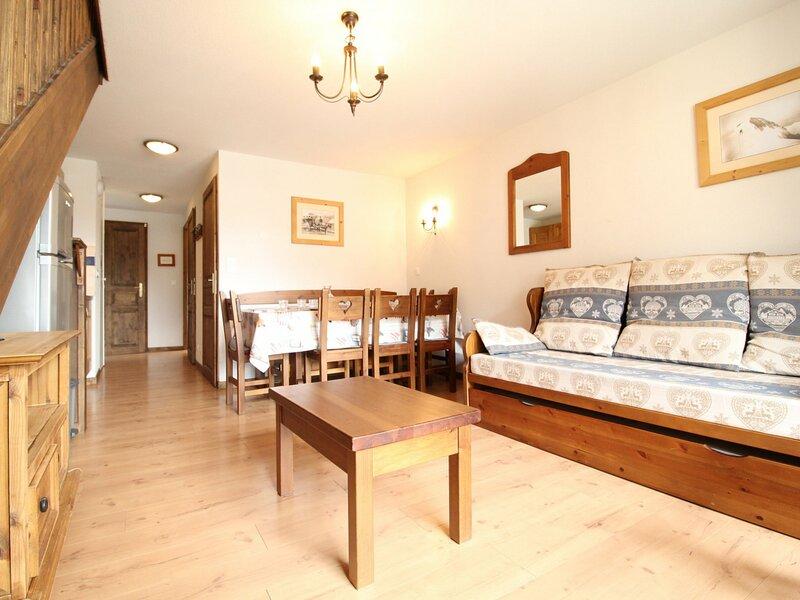 SPO015 Duplex avec 3 chambres pour 8 personnes et belle vue sur le village, holiday rental in Villarodin-Bourget