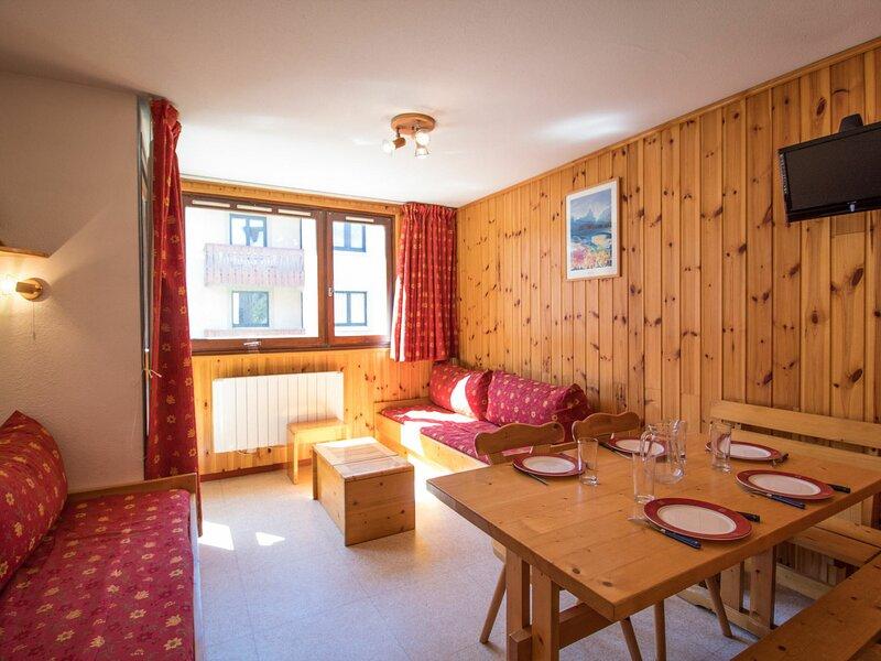CA0034 Appartement dans le village de Lanslebourg à 300m des pistes, holiday rental in Lanslebourg Mont Cenis