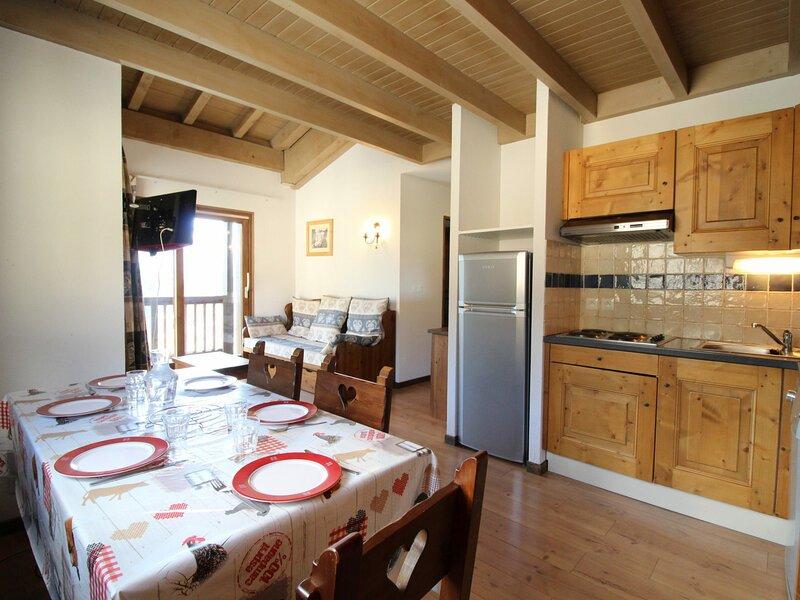 SPO013 Appartement spacieux pour 6 personnes avec très belle vue montagne, casa vacanza a Bramans