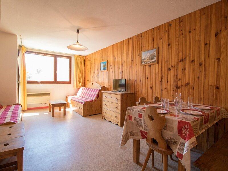 BO0014 Appartement dans le village de Lanslebourg à 300m des pistes, holiday rental in Lanslebourg Mont Cenis