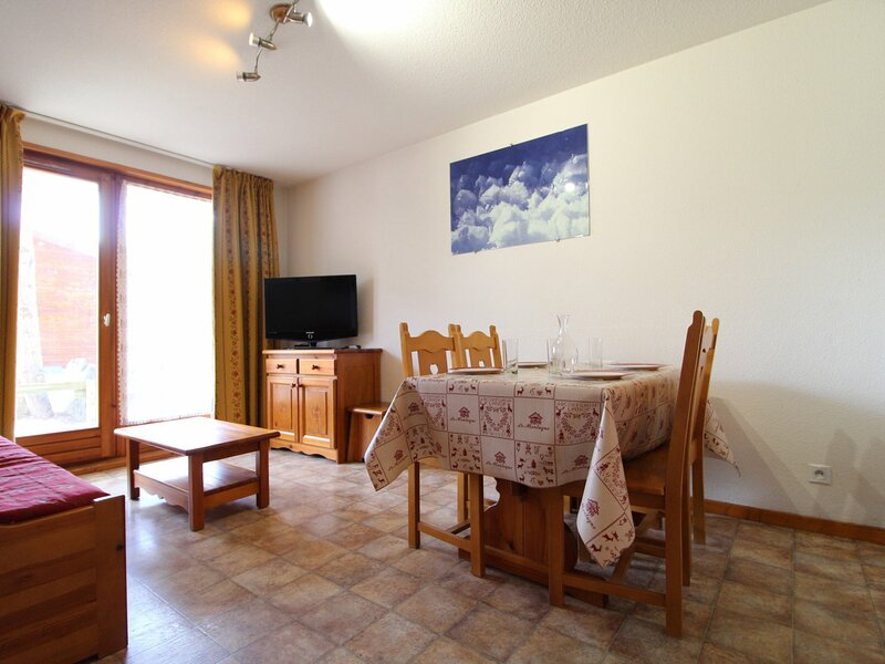 ESS002 - Appartement pour 4 personnes au centre du village et proche des pistes, vacation rental in Bessans