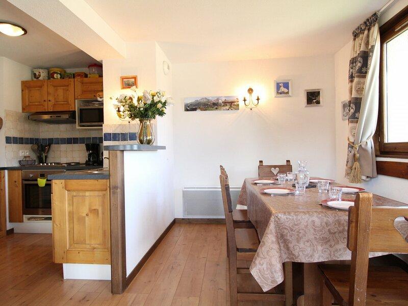 SPO010M Appartement spacieux pour 10 personnes avec très belle vue montagne, holiday rental in Villarodin-Bourget
