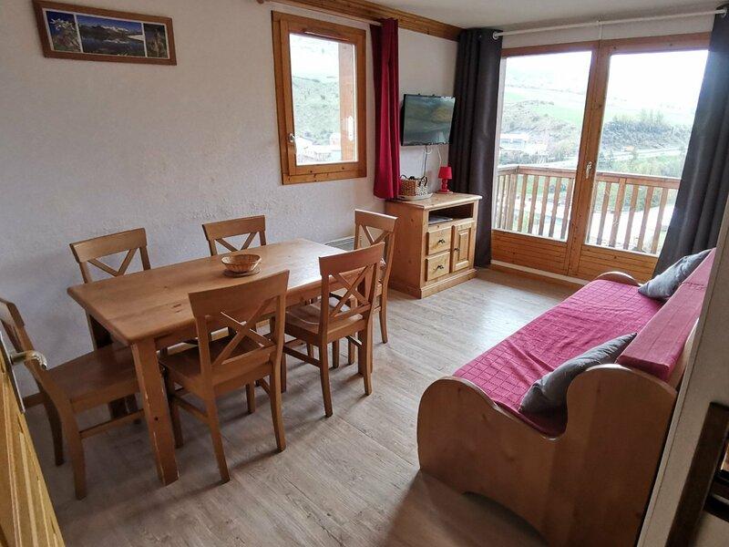 VALA11 Appartement pour 6 personnes - résidence avec piscine, aluguéis de temporada em Val-Cenis