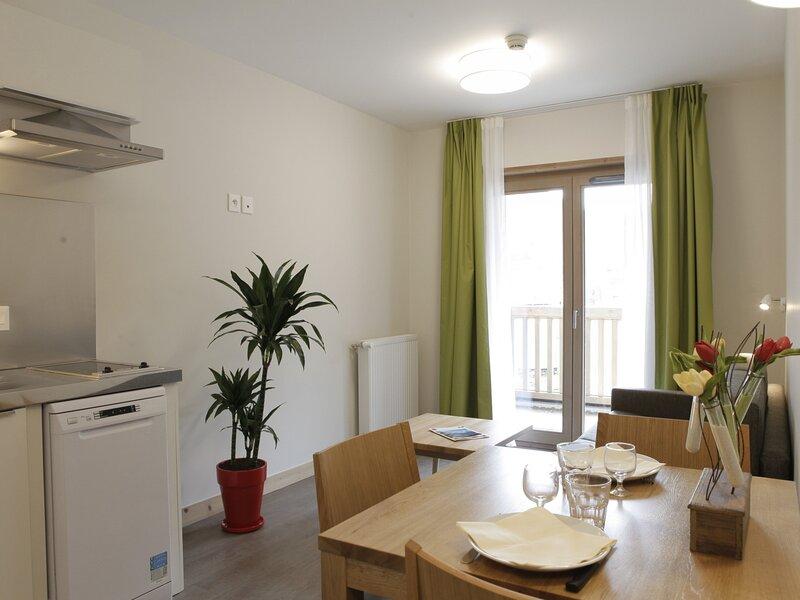 2 PIECES TOUT CONFORT ET LUMINEUX DANS NOUVELLE RESIDENCE, holiday rental in Brides-les-Bains