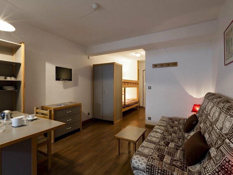 Studio classé 2* en centre ville, alquiler vacacional en Montagny