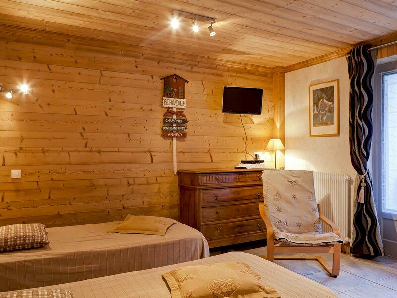 Appartement nouvellement rénové au coeur de Brides, location de vacances à Brides-les-Bains