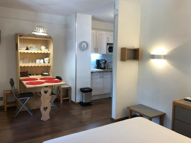 Studio classé 2 * en centre ville, alquiler vacacional en Montagny