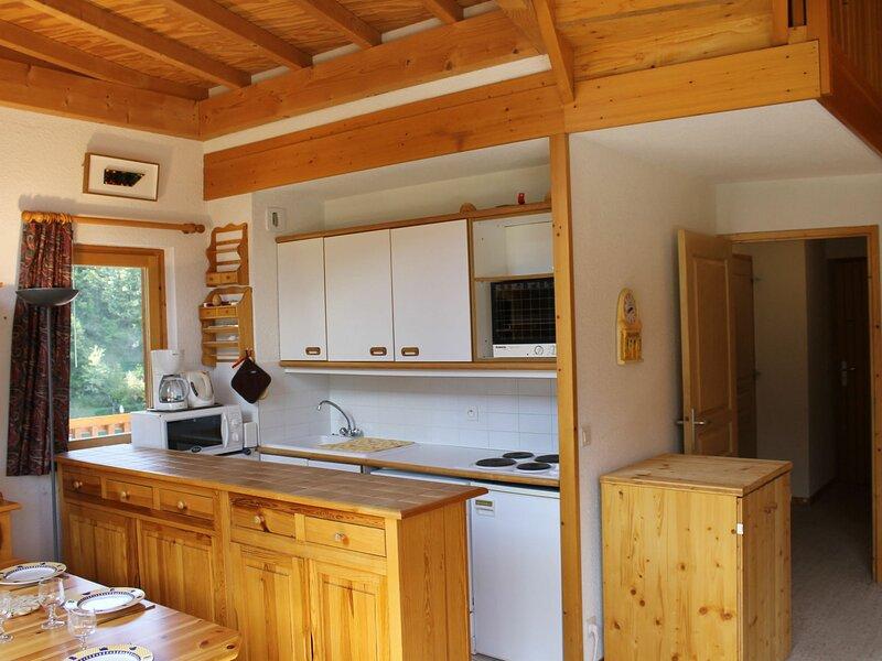 Bel appartement en duplex avec vue sur la montagne, holiday rental in La Tania