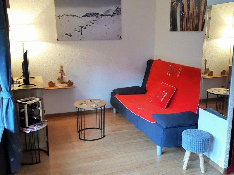 Jolie petit appartement secteur calme, location de vacances à Besse en Oisans