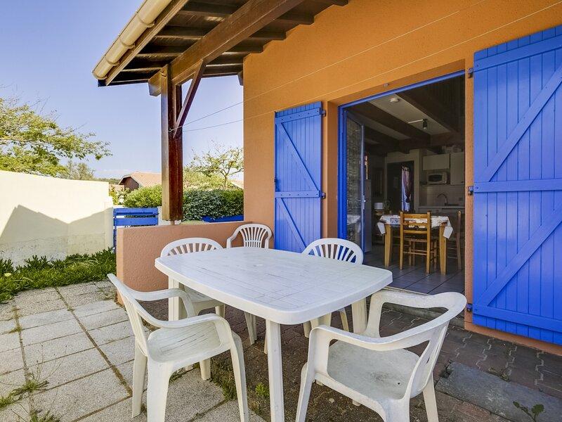 Biscarrosse plage maison mitoyenne 5 personnes à 350m de la plage, holiday rental in Biscarrosse