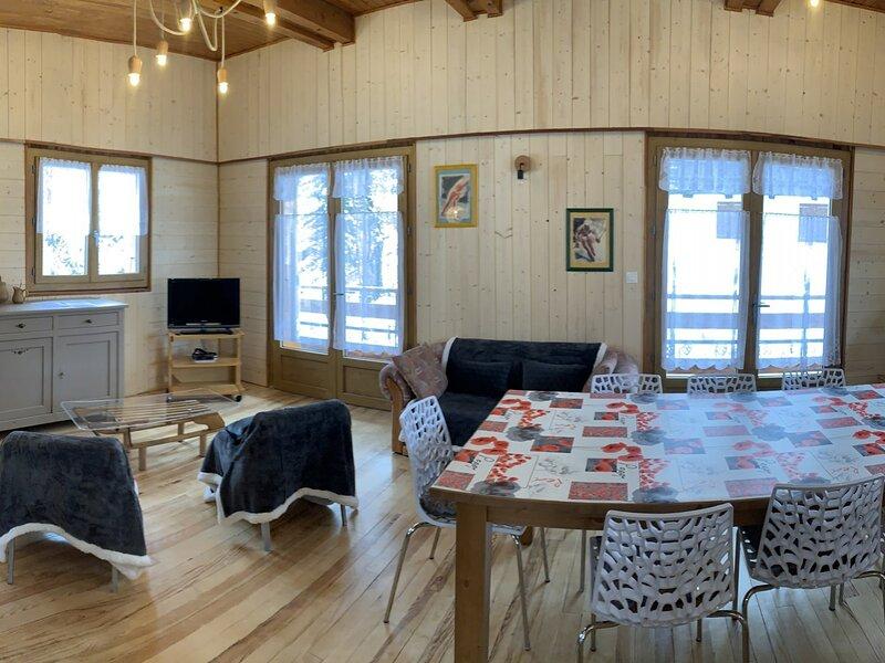 Superbe chalet Vars en Coeur de Station, holiday rental in Vars