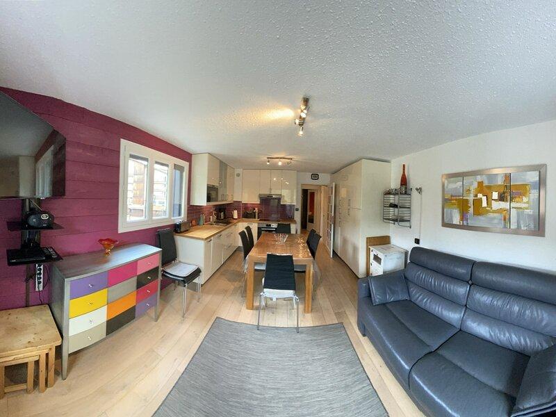 Appartement exceptionnel en front de neige sur les pistes à Risoul, aluguéis de temporada em Risoul